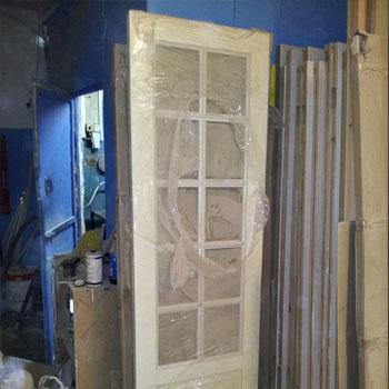 Наше производство современных деревянных дверей